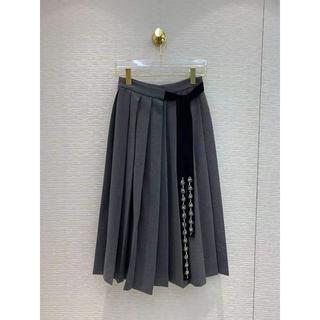 プラダ(PRADA)の【PRADA】グレー  プリーツ スカート(ひざ丈スカート)