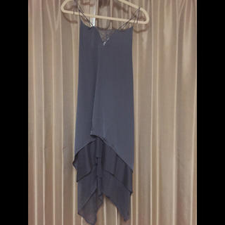 エイチアンドエム(H&M)の【H&M】裾三段フリル ロングワンピース【新品】(ロングワンピース/マキシワンピース)