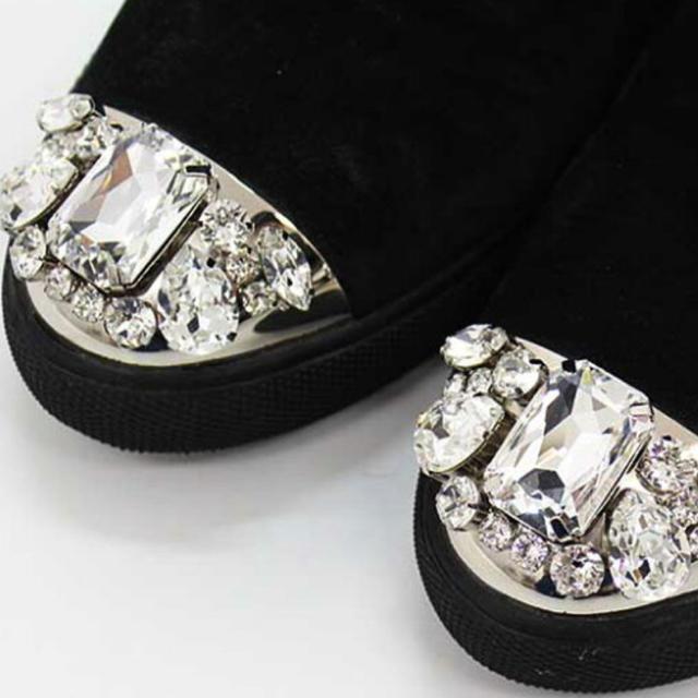 miumiu(ミュウミュウ)のmiu miu 💎 ビジュー ムートンブーツ レディースの靴/シューズ(ブーツ)の商品写真