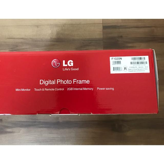 LG Electronics(エルジーエレクトロニクス)のLG デジタルフォトフレーム  インテリア/住まい/日用品のインテリア小物(フォトフレーム)の商品写真