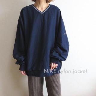NIKE - ナイキ NIKE 刺繍 プルオーバー ナイロンジャケット ポケット付 古着