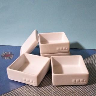 クロワッサン♡白い磁器4段重箱