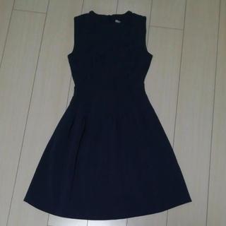エイチアンドエム(H&M)のH&M 紺色ワンピース(ひざ丈ワンピース)