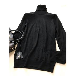 セオリー(theory)の美品 セオリー   タートル ニット ブラック 黒 セーター(ニット/セーター)
