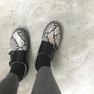 JOHN LAWRENCE SULLIVAN - ジョンローレンスサリバン 革靴