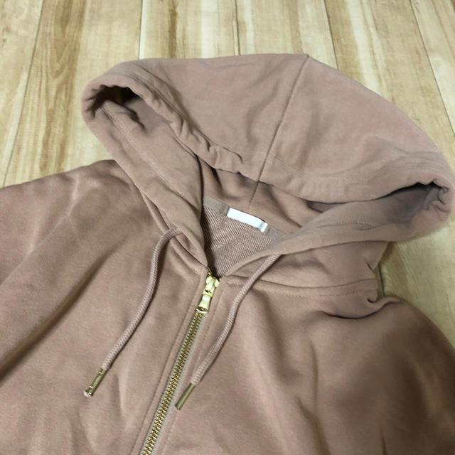 GU(ジーユー)のGU サーモンピンクのパーカー XL 美品 レディースのトップス(パーカー)の商品写真