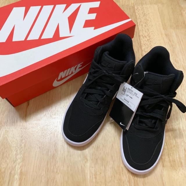 NIKE(ナイキ)の新品 未使用 箱付き NIKE スニーカー レディースの靴/シューズ(スニーカー)の商品写真