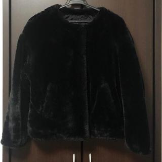 ザラ(ZARA)のZARA ノーカラー ファー ジャケット ショートコート ブラック 黒(毛皮/ファーコート)