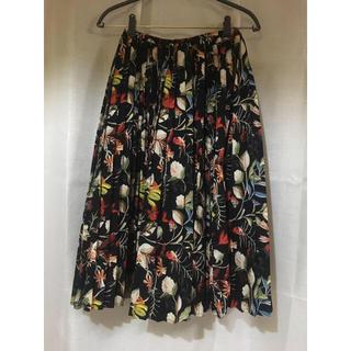 スプレイ(SpRay)のスカート 花柄 黒ベース M(ひざ丈スカート)