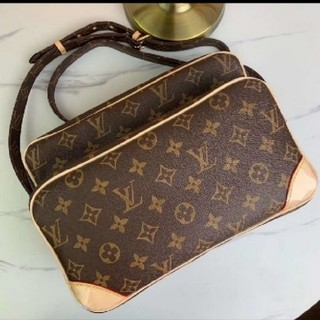 LOUIS VUITTON - バッグ