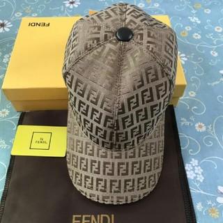 FENDI - FENDI フェンデイ  キャップ