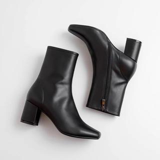 イエナスローブ(IENA SLOBE)の【即発送】 新品 本革 スクエアトゥショートブーツ 24センチ 黒 ブラック(ブーツ)