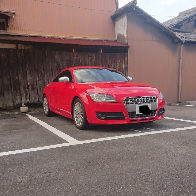 AUDI(アウディ)のアウディ tt8j red tts仕様 自動車/バイクの自動車(車体)の商品写真