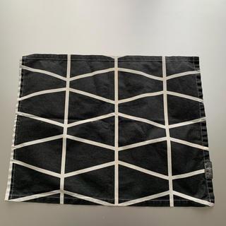 アクタス(ACTUS)のランチョンマット アクタス spira ブラック×ホワイトライン柄(テーブル用品)