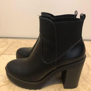 ベルシュカ(Bershka)のBershka ベルシュカ ブーツ 黒 (ブーツ)