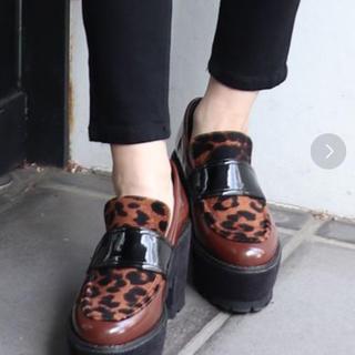 ムルーア(MURUA)のMURUA プラットフォームローファー(ローファー/革靴)