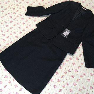 ナチュラルビューティーベーシック(NATURAL BEAUTY BASIC)のナチュラルビューティー ノーカラー スカートスーツ L W70 黒 ラメ(スーツ)