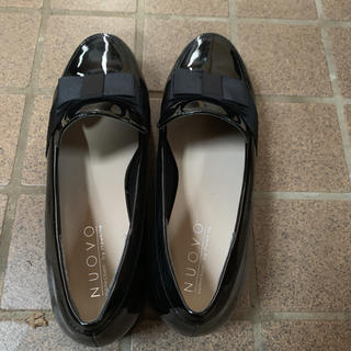 ヌォーボ(Nuovo)のローファー 黒(ローファー/革靴)