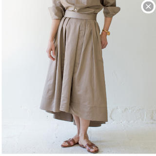 MADISONBLUE - 美品 マディソンブルータックボリューム イレギュラーヘム ロング スカート01