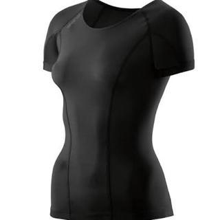 スキンズ(SKINS)のSKINS DNAmic コンプレッション トップス サイズ:XS(Tシャツ(半袖/袖なし))