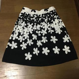 agnes b. - アニエスベーの花柄スカート