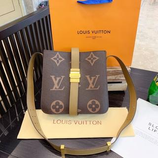 LOUIS VUITTON - ショルダバッグ