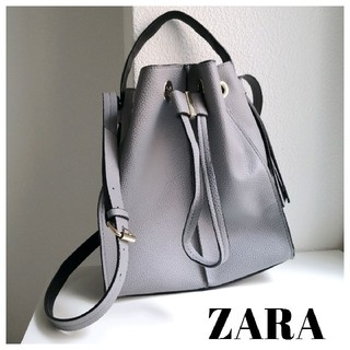ZARA - ZARA 巾着 ショルダーバッグ グレー レザー調