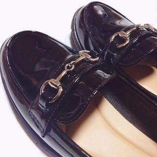 ウィゴー(WEGO)のエナメルローファー ♥︎ 送料込み可 ♥︎(ローファー/革靴)