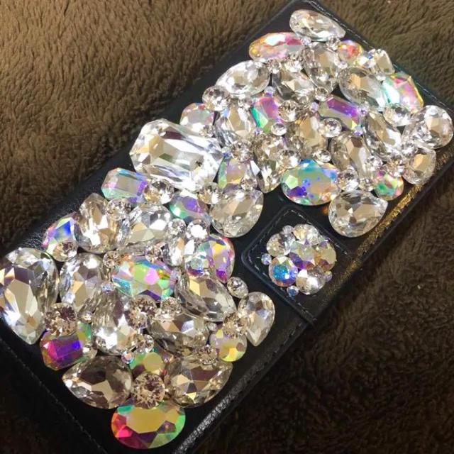 キラキラガラスビジュースワロフスキーiPhone手帳型カバーの通販 by c's shop|ラクマ