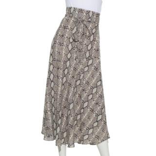 ミラオーウェン(Mila Owen)のMila Owen(ミラ オーウェン)ベルト付アシメヘムジョーゼット柄スカート (ロングスカート)