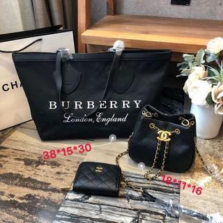 BURBERRY - BURBERRYショルダーバッグ可愛い 大人気 3点セット