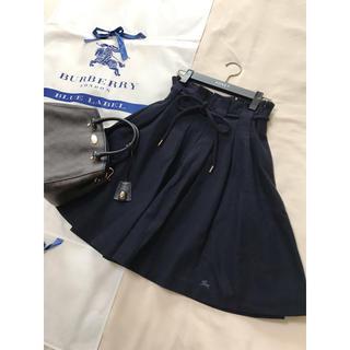 バーバリーブルーレーベル(BURBERRY BLUE LABEL)の美品 バーバリー ブルーレーベル  フレア スカート  ネイビー(ひざ丈スカート)