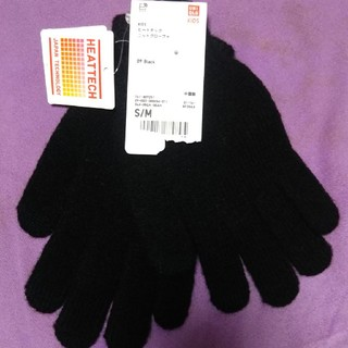 ユニクロ(UNIQLO)のユニクロ ヒートテック キッズ手袋 黒 S/M(手袋)