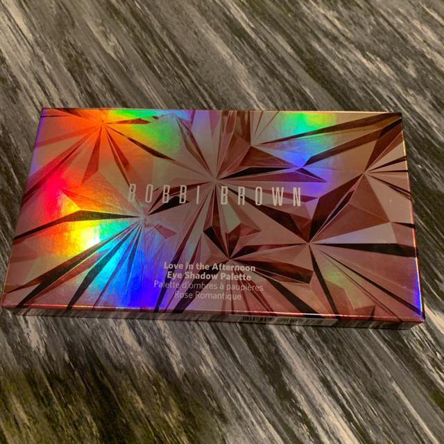 BOBBI BROWN(ボビイブラウン)の即完売 限定 ボビィブラウン ラブインザアフタヌーン アイシャドウ パレット  コスメ/美容のベースメイク/化粧品(アイシャドウ)の商品写真