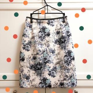 ジャスグリッティー(JUSGLITTY)の美品☆ジャスグリッティのスカート(ひざ丈スカート)