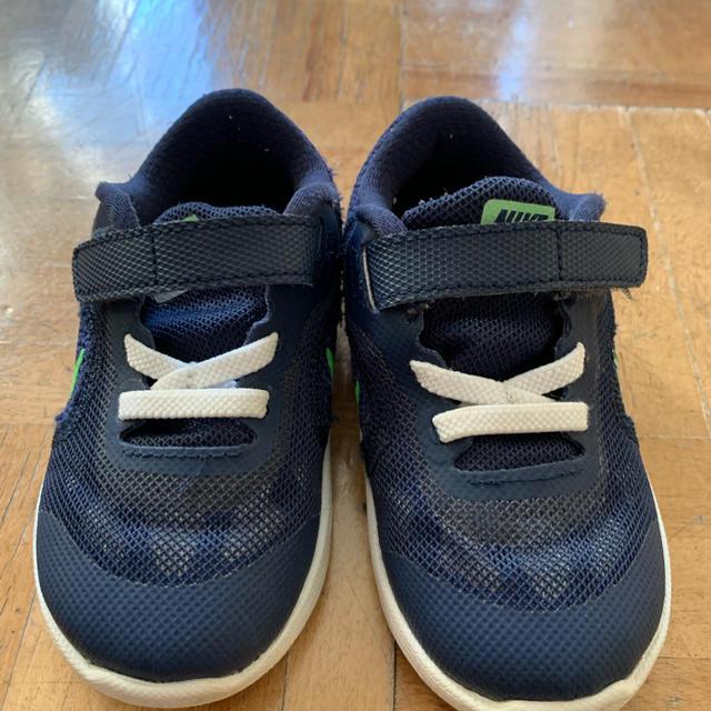 NIKE(ナイキ)のナイキスニーカー キッズ/ベビー/マタニティのベビー靴/シューズ(~14cm)(スニーカー)の商品写真