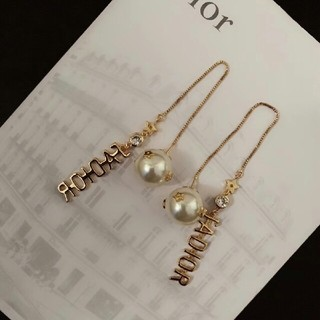 Dior - 大人気の  Dior ピアス