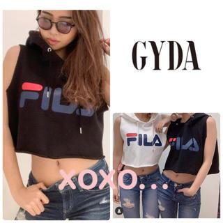 GYDA - GYDA  FILAショートスウェットパーカー