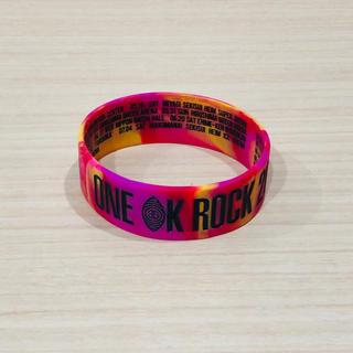 ワンオクロック(ONE OK ROCK)のONE OK ROCK ラバーバンド(ミュージシャン)