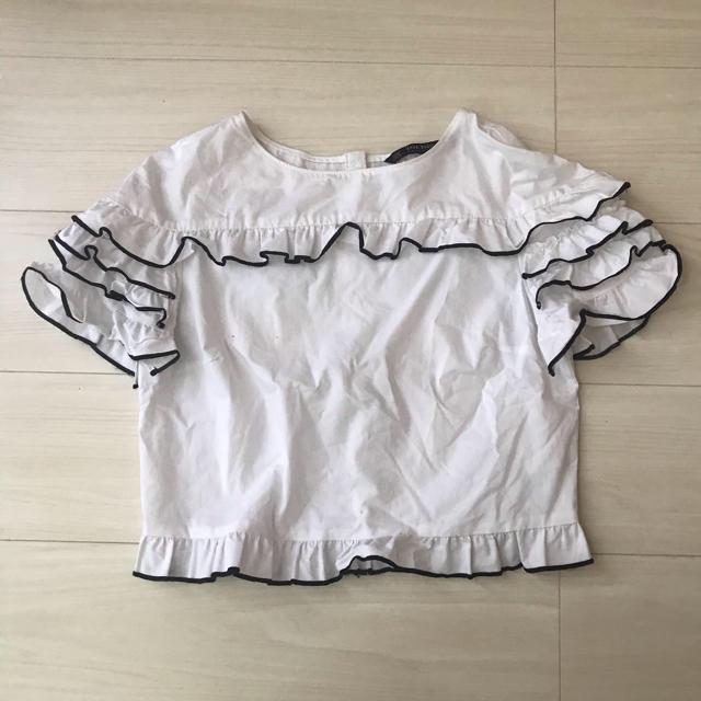 ZARA(ザラ)のzara フリルトップス ブラウス レディースのトップス(シャツ/ブラウス(半袖/袖なし))の商品写真
