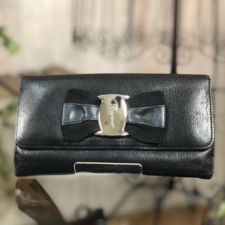 フェラガモ(Ferragamo)のFERRAGAMO vara 長財布 ブラック リボン 財布 フェラガモ(財布)