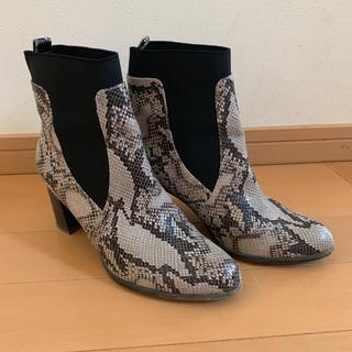 GU - GU♡パイソン柄ブーツ