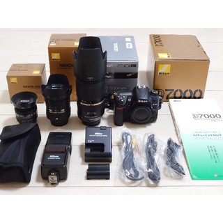 Nikon - 【オマケ付き】Nikon D7000+良レンズ3本+ストロボ