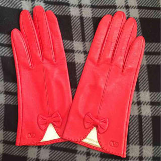 ヴァレンティノガラヴァーニ(valentino garavani)のヴァレンティノ ガラヴァーニ 手袋 赤色(手袋)