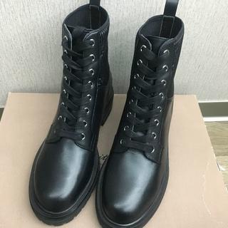 ジャンヴィットロッシ(Gianvito Rossi)の売り切り即決価格  ジャンヴィトロッシ ブーツ  新品(ブーツ)
