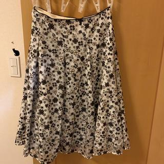 トッカ(TOCCA)のTOCCA2018秋冬GYPSY DEEP ROSEスカート(ひざ丈スカート)