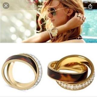 マイケルコース(Michael Kors)のマイケルコース べっ甲×クリスタル ツイストリング 指輪 2連(リング(指輪))