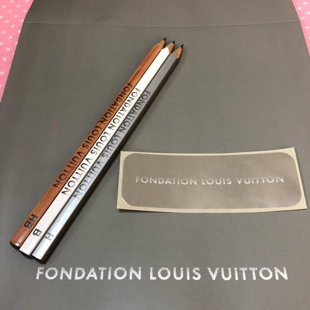 LOUIS VUITTON - 【新品 紙袋付】LOUIS VUITTON 鉛筆3本フォンダシオンルイヴィトンの通販