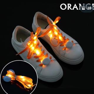 光る靴紐。(スニーカー)