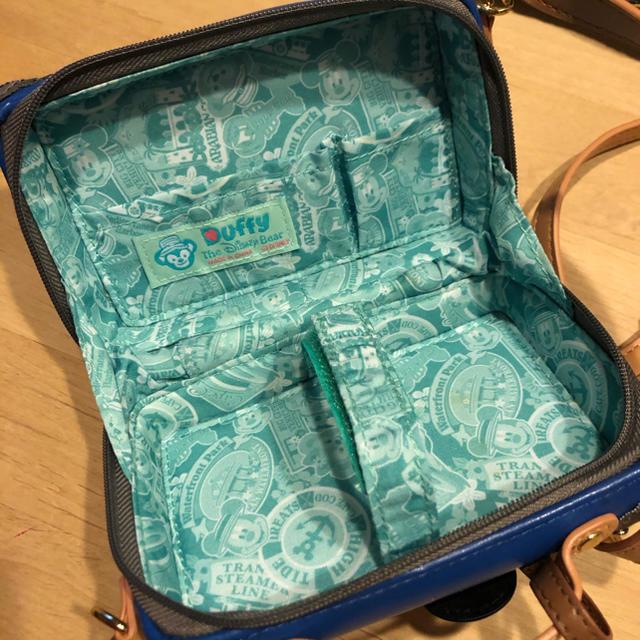 Disney(ディズニー)のディズニー ダッフィー デジカメバッグ エンタメ/ホビーのおもちゃ/ぬいぐるみ(キャラクターグッズ)の商品写真